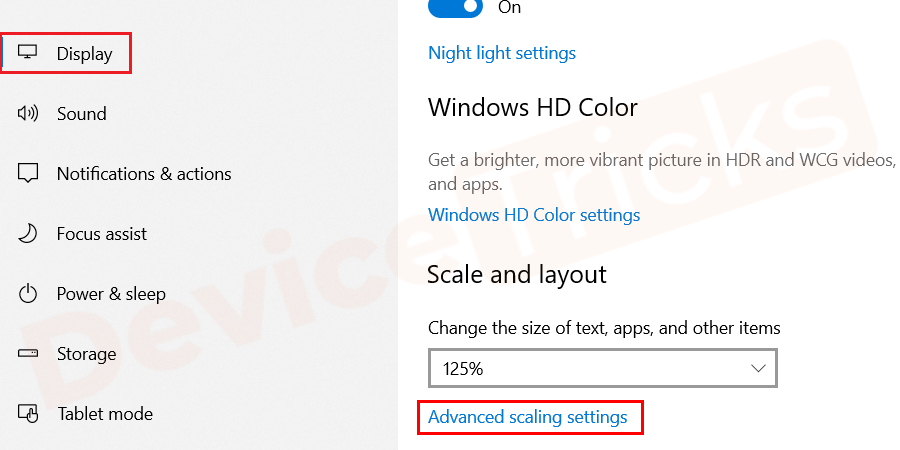 Select the advanced scaling settings option from the window as shown in the figure.