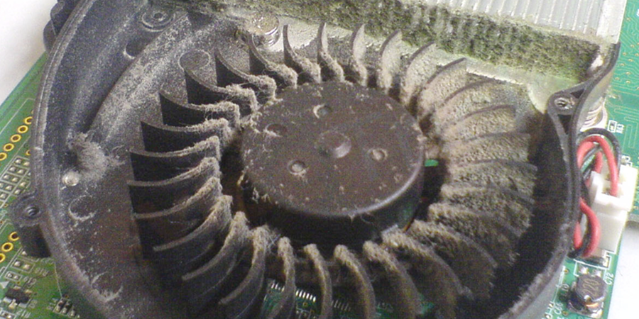 Ensure that the hardware is free from dust if the GPU fan is covered with dust, clean it up with a small brush.